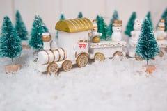 在白色背景的玩具火车圣诞节的 库存照片