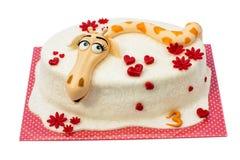 在白色背景的生日蛋糕 库存图片