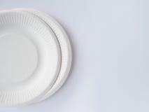 在白色背景的生物自然分解的板材 免版税图库摄影