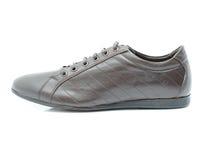 在白色背景的皮鞋 免版税库存图片