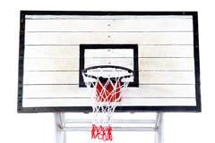 在白色背景的篮球篮 库存图片