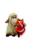 在白色背景的米色绵羊 免版税库存照片
