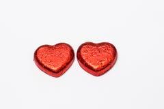 在白色背景的红色心脏巧克力糖孤立 图库摄影