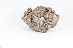 在白色背景的美丽的次贵重的石硫铁矿 库存照片