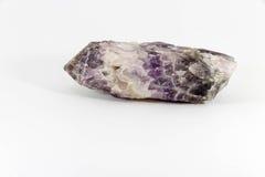 在白色背景的美好的紫晶 图库摄影