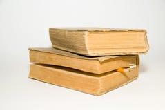 在白色背景的老大书 免版税库存图片