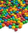 在白色背景的色的糖果 免版税库存照片