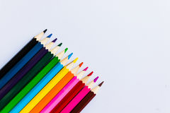 在白色背景的色的铅笔, 库存图片