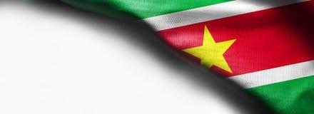 在白色背景的苏里南旗子 库存照片