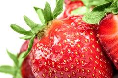 在白色背景的草莓特写镜头 免版税图库摄影