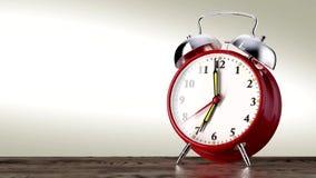 在白色背景的葡萄酒红色闹钟 背景概念查出的目的程序时间白色 影视素材
