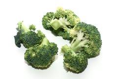 在白色背景的被隔绝的圆白菜硬花甘蓝 免版税库存图片
