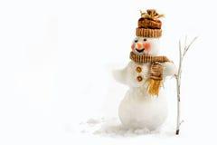 在白色背景的被隔绝的雪人与笤帚 免版税库存图片