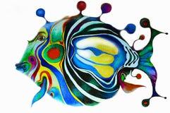 在白色背景的被绘的明亮的鱼 所有颜色彩虹 被隔绝的多色构成 绘画 儿童` s h 免版税库存照片