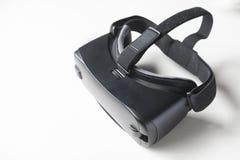 在白色背景的赌博VR耳机 免版税库存图片