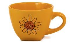 在白色背景的陶瓷杯。 免版税库存照片