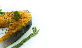 在白色背景的鲑鱼排 免版税库存照片