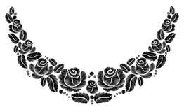 在白色背景的黑玫瑰刺绣 种族花脖子线花设计图表塑造佩带 免版税库存图片