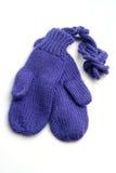 在白色背景的婴孩手套 免版税库存图片