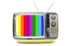在白色背景的黄色葡萄酒电视 免版税库存照片