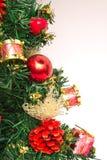 在白色背景的Christmass装饰 免版税库存照片