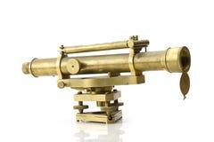 在白色背景的Ntage黄铜望远镜 免版税库存照片