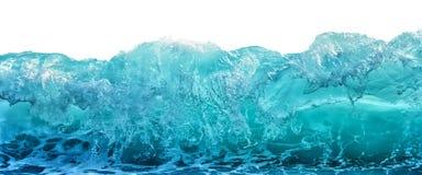 在白色背景隔绝的大蓝色风雨如磐的海波浪 气候自然概念 正面图 免版税库存图片