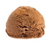 在白色背景隔绝的巧克力冰淇淋一个软的球 库存照片