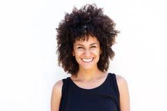 在白色背景隔绝的时兴的微笑的妇女身分 库存照片