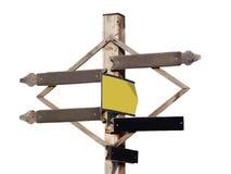 在白色背景隔绝的木牌箭头模板 老海滩木头 角度蓝色路标色彩视图宽 免版税库存照片