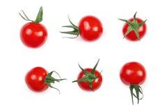 在白色背景隔绝的樱桃小蕃茄 集合或汇集 顶视图 平的位置 免版税库存照片