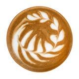 在白色背景隔绝的热的咖啡热奶咖啡拿铁艺术泡沫顶视图,道路 免版税图库摄影