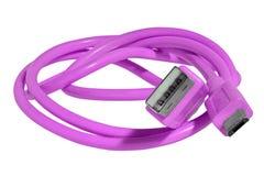 在白色背景隔绝的紫罗兰色缆绳 Usb和微型usb 免版税库存照片