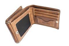 在白色背景隔绝的老棕色皮革钱包顶视图  免版税图库摄影