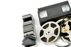在白色背景隔绝的老照片和视频器材 自由 免版税库存图片