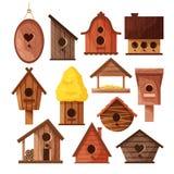 在白色背景隔绝的设置不同的木手工制造鸟房子 鸟的动画片自创嵌套箱 向量例证