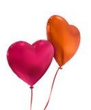 在白色背景隔绝的五颜六色的心脏气球 免版税图库摄影