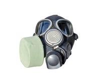 在白色背景隔绝的军用橡胶有弹性防毒面具 图库摄影