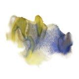 在白色背景隔绝的墨水泼溅物水彩染料液体水彩黄色蓝色宏观斑点污点纹理 库存图片