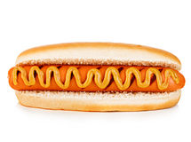 在白色背景隔绝的大鲜美开胃热狗特写镜头 快餐 免版税库存图片