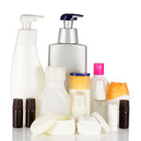 在白色背景隔绝的套化妆瓶。 免版税库存图片