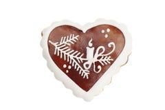 在白色背景隔绝的姜饼心脏 库存图片