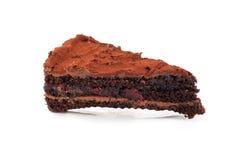 在白色背景隔绝的巧克力蛋糕 免版税库存照片