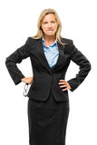 在白色背景隔绝的恼怒的成熟的商业妇女 免版税库存图片