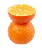 在白色背景隔绝的新鲜的橙色普通话 免版税库存照片