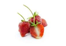 在白色背景隔绝的新鲜的草莓 免版税库存照片