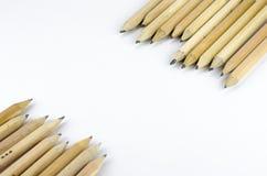 在白色背景隔绝的木铅笔 免版税库存图片