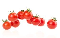 在白色背景隔绝的束红色蕃茄 免版税库存照片
