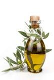 在白色背景隔绝的橄榄油瓶。 图库摄影