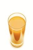 在白色背景隔绝的橙色新鲜的汁液 库存图片